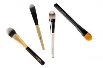 pennelli-make-up-essenziali-fondotinta-800x533