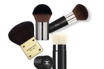 pennelli-make-up-essenziali-kabuki-800x533