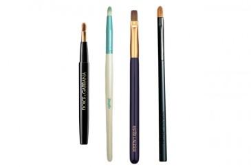 pennelli-make-up-essenziali-labbra-800x533