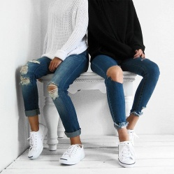 ripped-jeans-strappati
