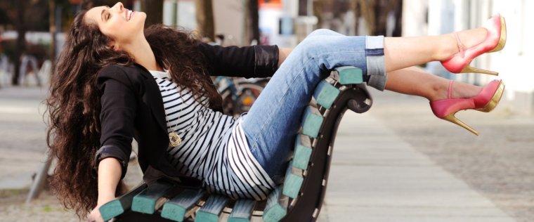 quando-non-si-dovrebbero-indossare-i-jeans-regole-di-stile-12367953[1216]x[506]1200x500.jpeg